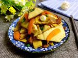 豆腐干胡萝卜烧肉的做法[图]