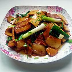 香干炒回锅肉