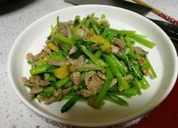 泡椒芹菜炒肉