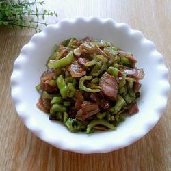 芥菜叶茎炒咸肉