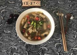 蟹菇芹菜豆腐汤