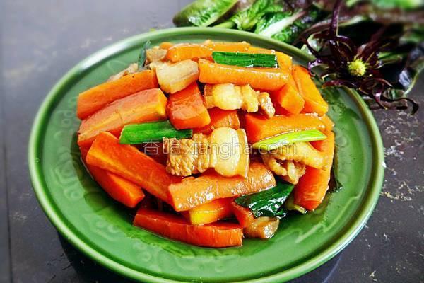 胡萝卜烧肉的做法