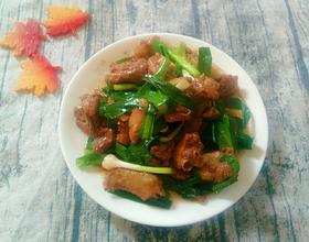 蒜苗炒鸭肉