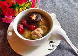 红枣香菇肉丸汤