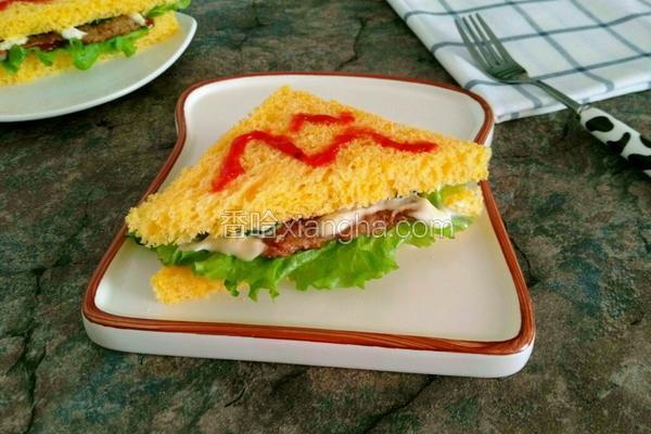 黑胡椒肉排三明治