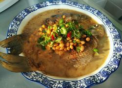 黄豆炖鲫鱼