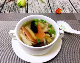 菌菇汆肉汤