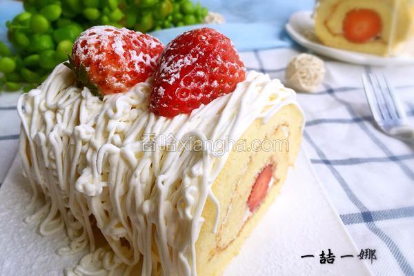 奶油草莓蛋糕卷