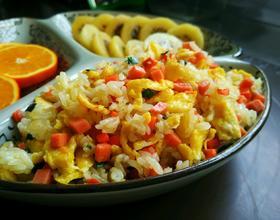 火腿肠蛋炒饭