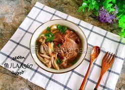 牛肉蘑菇汤面