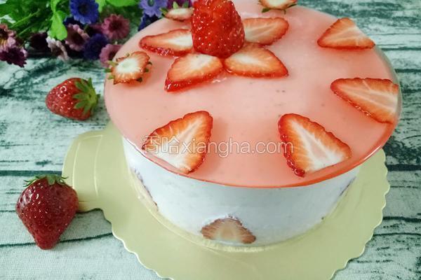 6寸草莓慕斯蛋糕