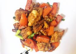 胡萝卜香菇炒鸡翅根