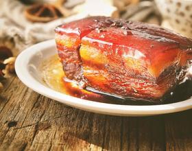 肥而不腻 香糯酥烂的 东坡肉