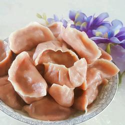 甜菜汁面饺子