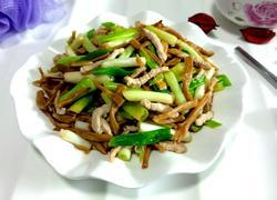 黄花菜小葱炒肉
