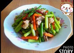 胡萝卜蒜苔炒猪肉