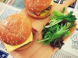 双层牛肉汉堡的做法[图]