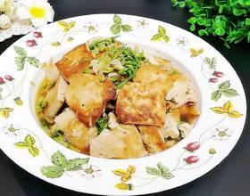 豆腐炖槐花