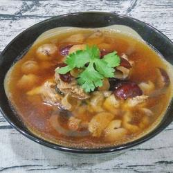 桂圆肉红枣煲猪骨的做法[图]
