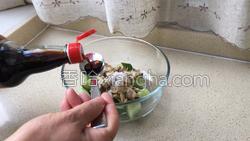 红油黄瓜蛤蜊的做法图解12