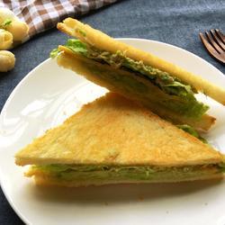牛油果吞拿三明治