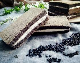 黑米蛋糕三明治