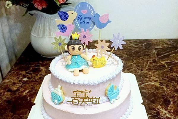 翻糖装饰淡奶油双层蛋糕