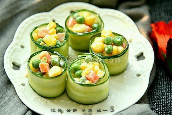黄瓜蔬菜沙拉卷