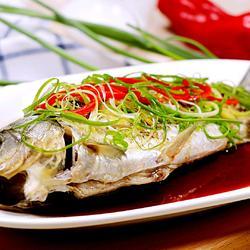 清蒸鲫鱼灌肉的做法[图]