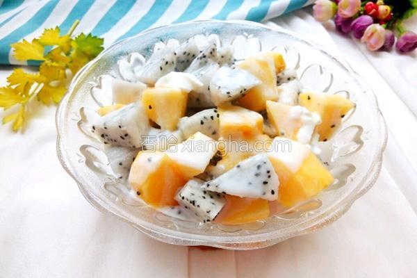 酸奶水果的做法