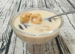 红枣牛奶炖花胶