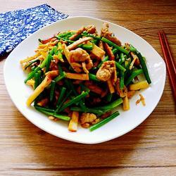 韭菜苔熏干儿