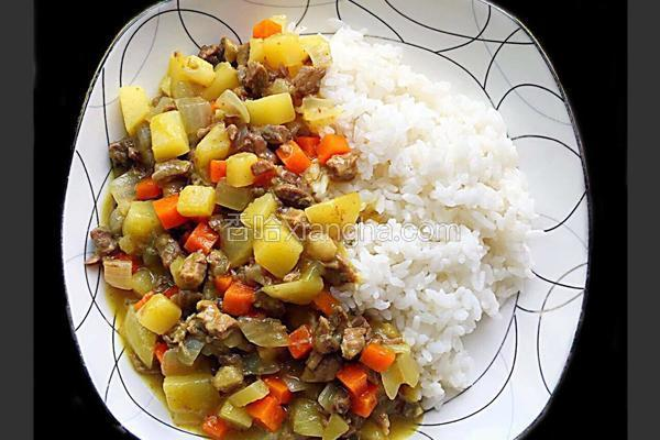 咖喱牛肉盖饭