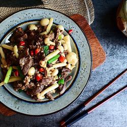 海鲜菇炒牛柳