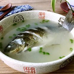 当归鲫鱼汤的做法[图]