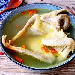 枸杞鸽子煲靓汤的做法[图]