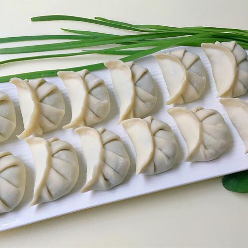 韭菜饺韭菜饺子怎么做好吃 韭菜饺子最正宗的做法子