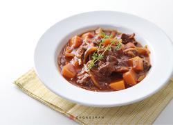 勃艮第红酒罗勒炖牛肉