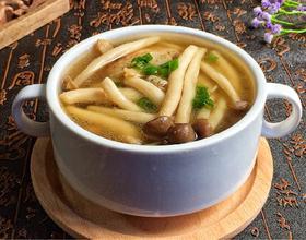 五花肉菌菇汤