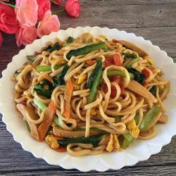 火腿蔬菜炒面