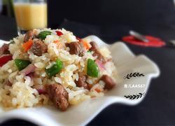 牛肉粒杂蔬炒饭