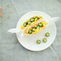 鸡蛋秋葵三明治
