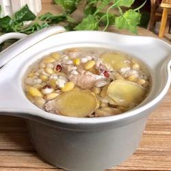 黄豆芡实炖瘦肉的做法[图]