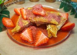 法式吐司配草莓酱