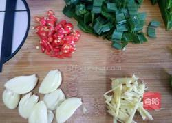 香菇薯粉汆肥羊的做法图解2