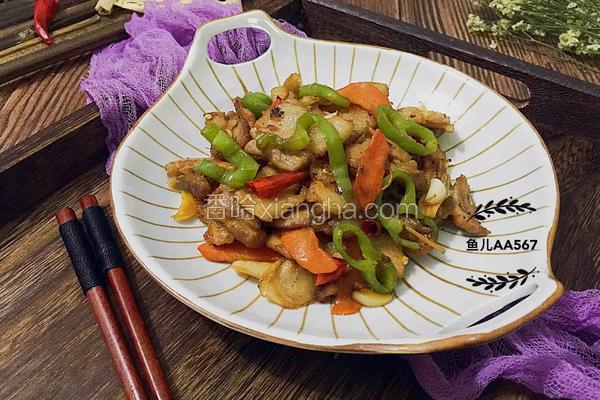 辣椒胡萝卜炒五花肉