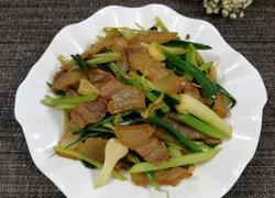 芹菜蒜苗炒腊肉