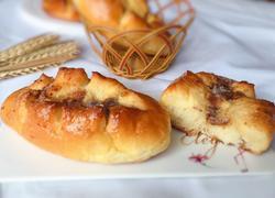 鱼松黄油面包