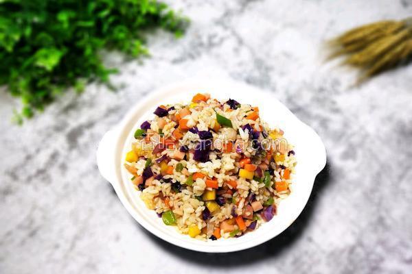 时蔬炒米饭