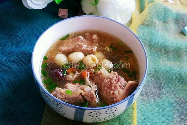 红枣莲子排骨汤